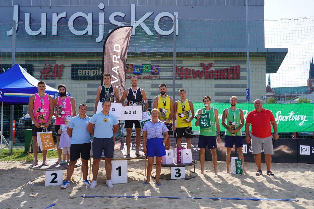 Siatkarze AZS Częstochowa Aleksander Niczke i Jakub Wierciński wygrali Puchar Śląska w siatkówce plażowej 1