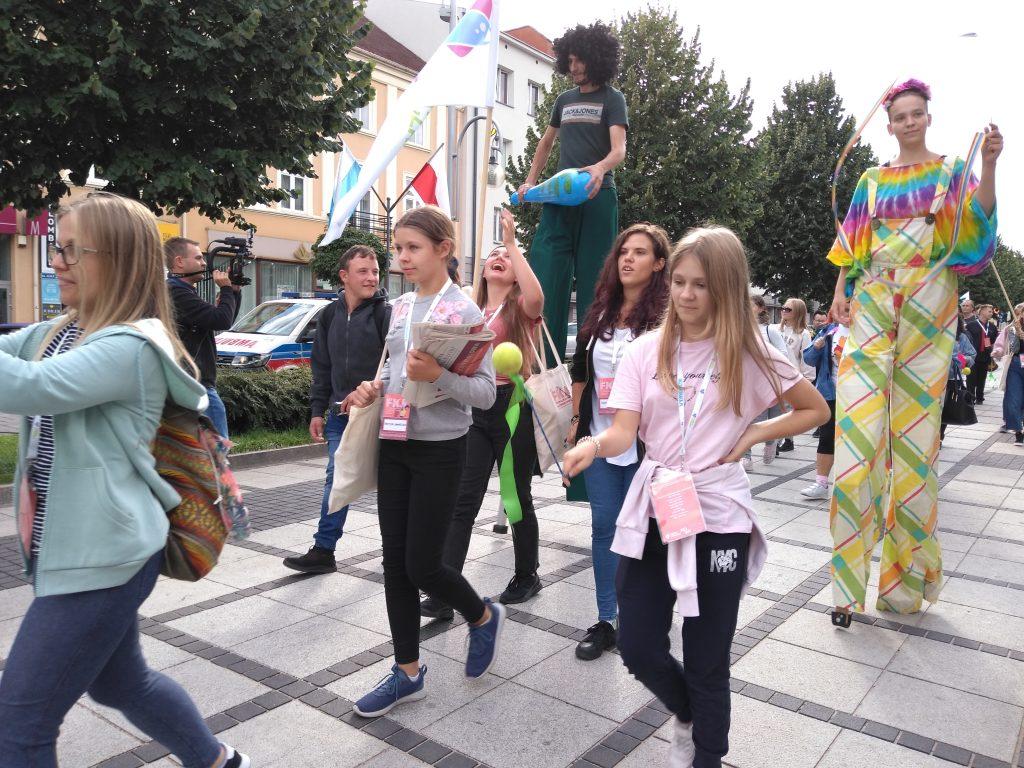 Korowód na otwarcie Festiwalu Kultury Alternatywnej eFKA 21