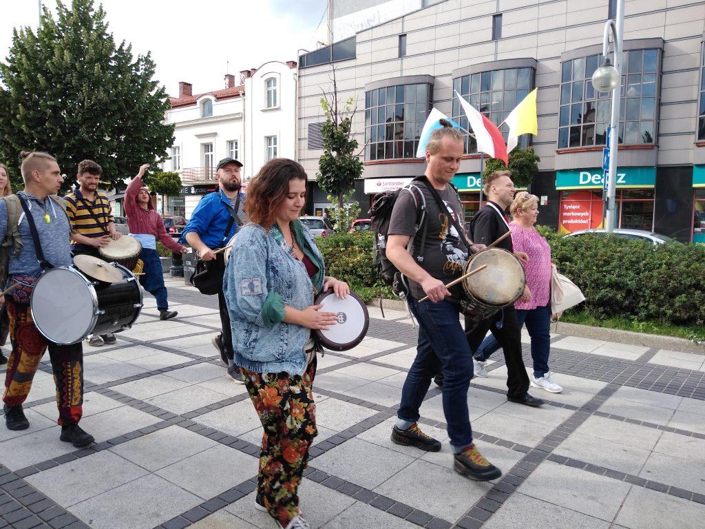 Korowód na otwarcie Festiwalu Kultury Alternatywnej eFKA 24