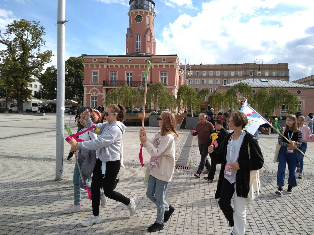 Korowód na otwarcie Festiwalu Kultury Alternatywnej eFKA 3