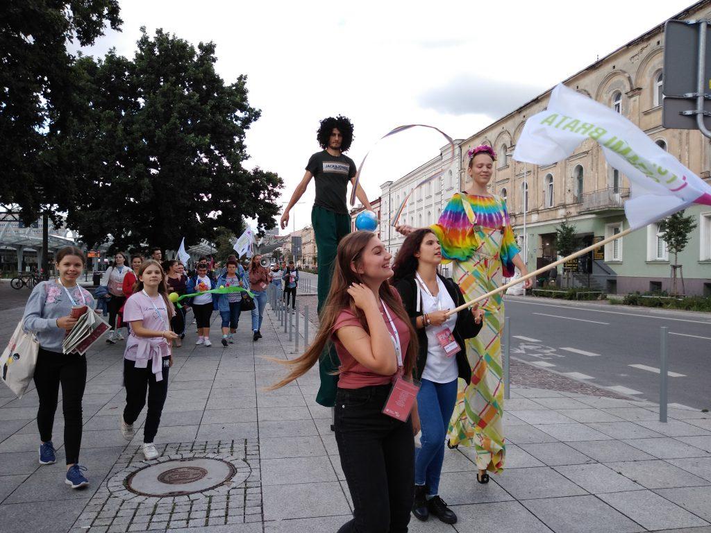 Korowód na otwarcie Festiwalu Kultury Alternatywnej eFKA 29