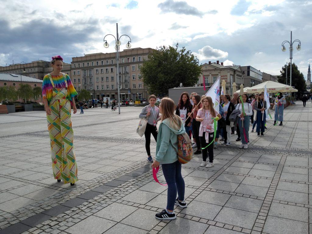 Korowód na otwarcie Festiwalu Kultury Alternatywnej eFKA 5