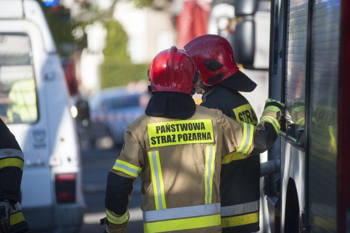 Ewakuacja na ulicy Tatrzańskiej. Zapaliła się butla z acetylenem 2