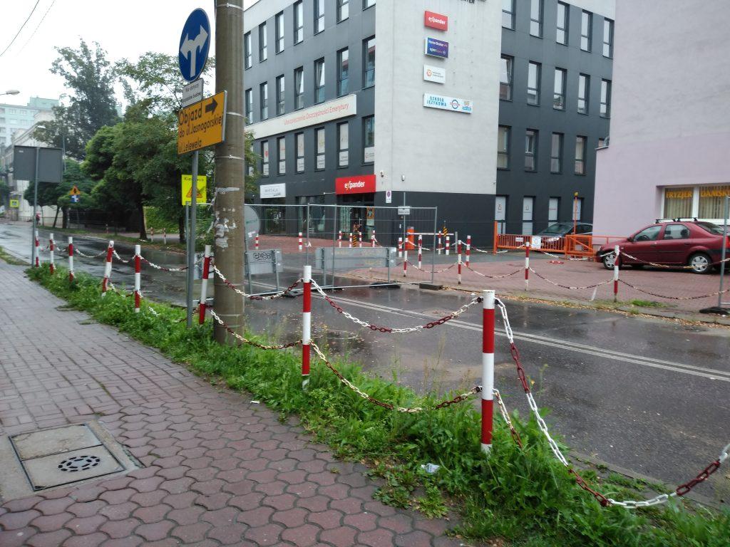 Skrzyżowanie ulicy Jasnogórskiej z aleją Kościuszki ciągle niedrożne. Ma być całkowicie przejezdne na początku września 1