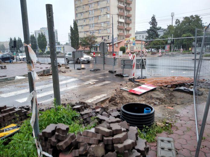 Skrzyżowanie ulicy Jasnogórskiej z aleją Kościuszki ciągle niedrożne. Ma być całkowicie przejezdne na początku września 3