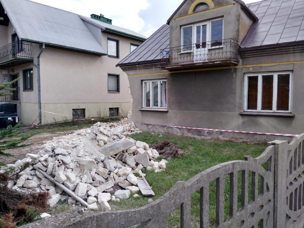 Lokatorzy domu w Popowie, w którym zawaliła się ściana mają już nowe lokum 7
