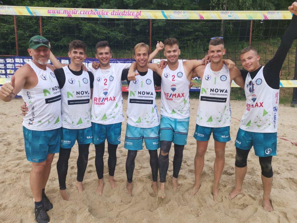 Najlepszy sezon częstochowskich siatkarzy plażowych w historii. 3 pary w finale mistrzostw Polski juniorów. Pośpiech i Świeboda na wysokim 7. miejscu MP! 6