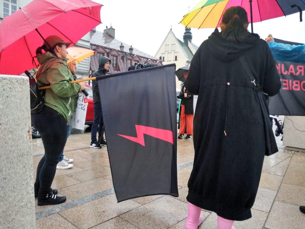 W obronie wolnych mediów, a także przecież pomysłom ministra Czarnka 9