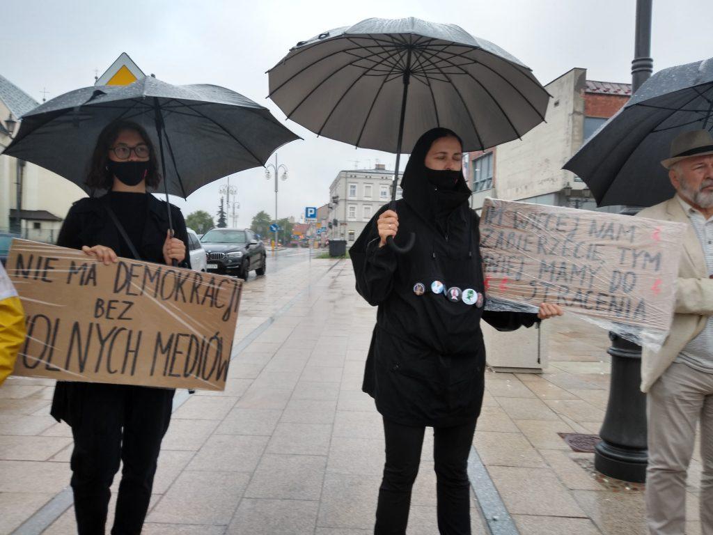 W obronie wolnych mediów, a także przecież pomysłom ministra Czarnka 11