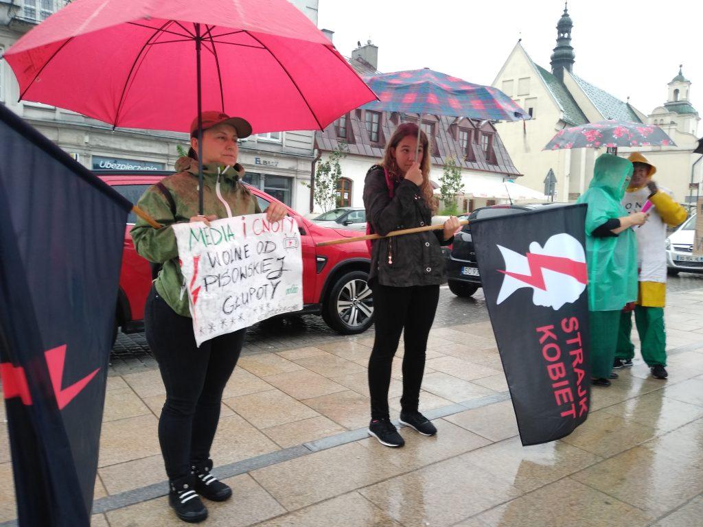 W obronie wolnych mediów, a także przecież pomysłom ministra Czarnka 2