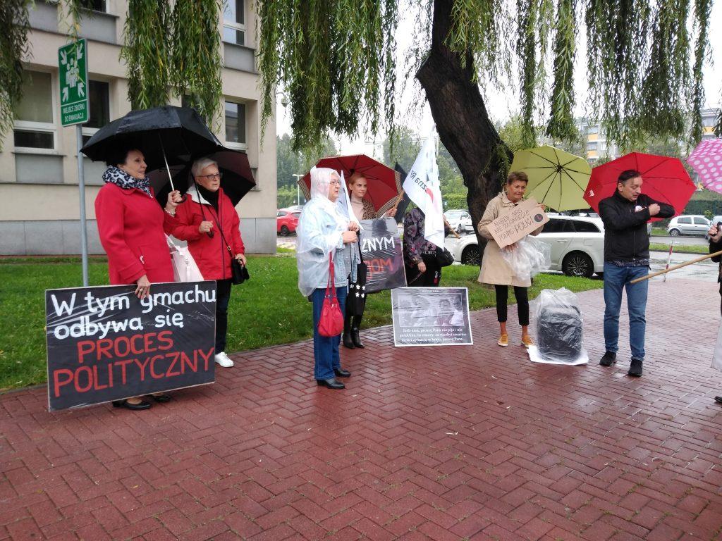 Stanęła przed sądem za wulgaryzmy w trakcie protestu kobiet 2