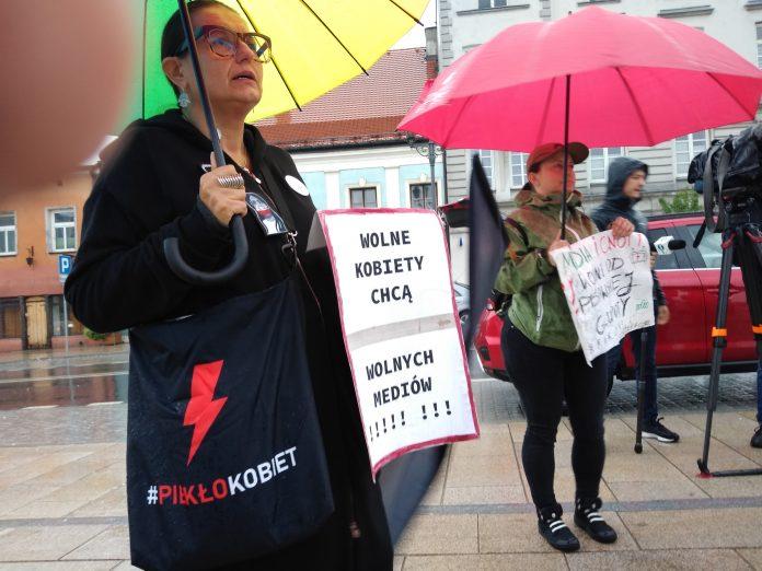 W obronie wolnych mediów, a także przecież pomysłom ministra Czarnka 17
