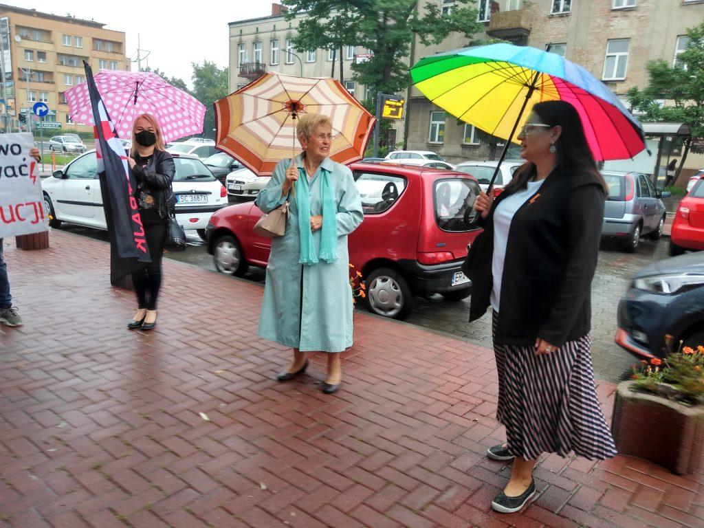 Stanęła przed sądem za wulgaryzmy w trakcie protestu kobiet 4