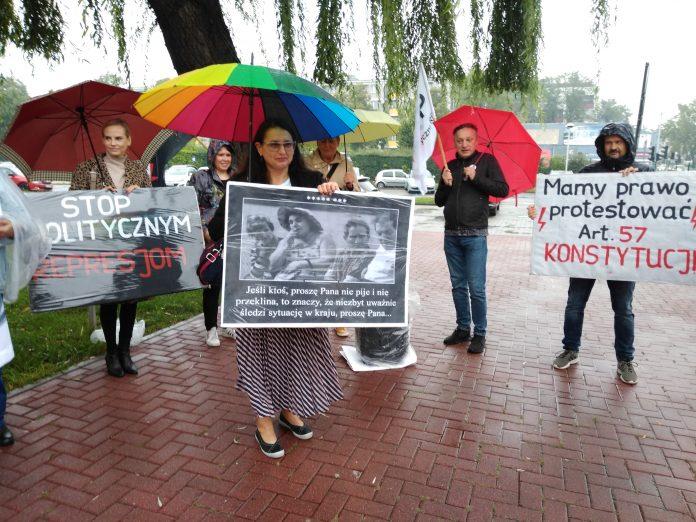 Stanęła przed sądem za wulgaryzmy w trakcie protestu kobiet 9