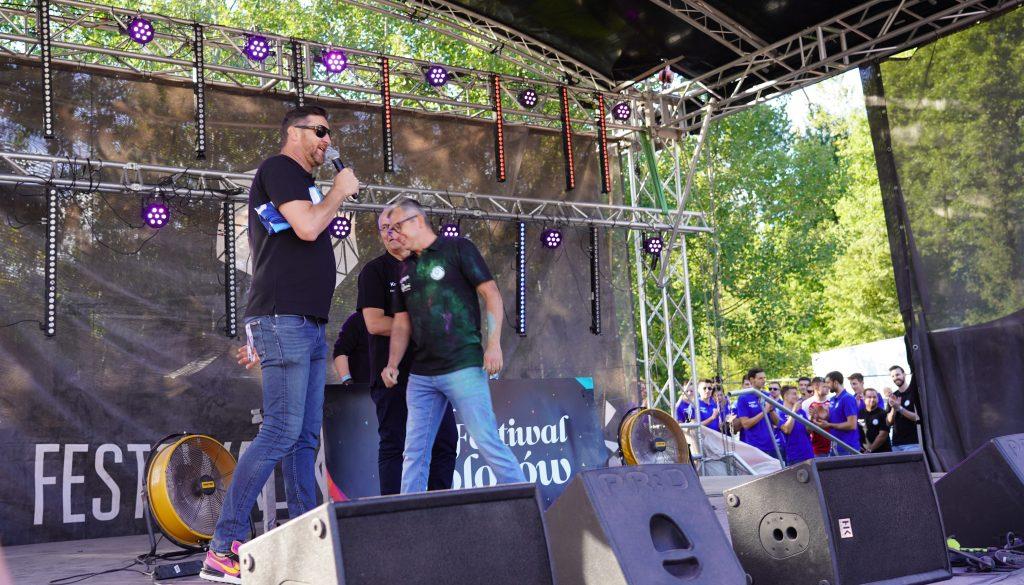 Trener Piotr Gruszka przedstawił swoich siatkarzy z Exact Systems Norwid podczas Festiwalu Kolorów. Prezentacja drużyny wypadła...kolorowo 5