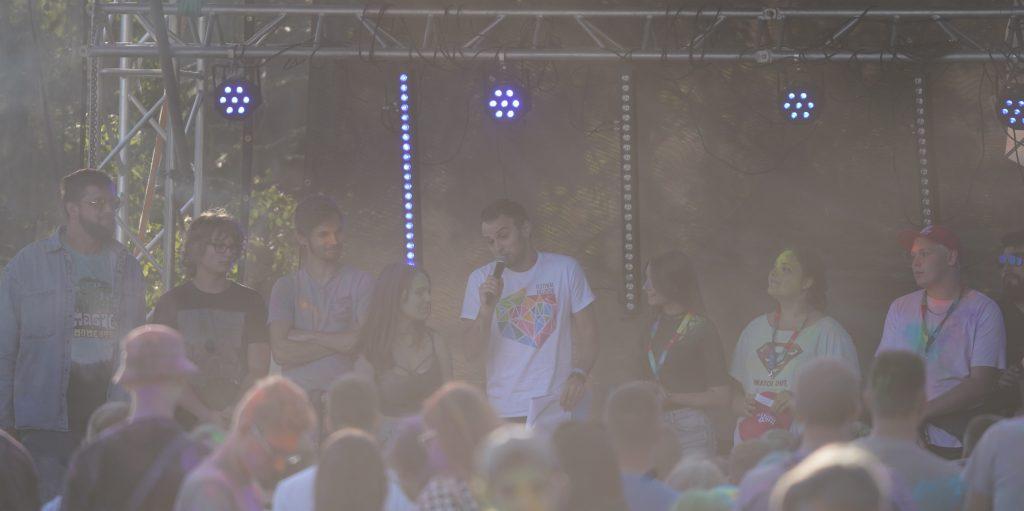 Trener Piotr Gruszka przedstawił swoich siatkarzy z Exact Systems Norwid podczas Festiwalu Kolorów. Prezentacja drużyny wypadła...kolorowo 15