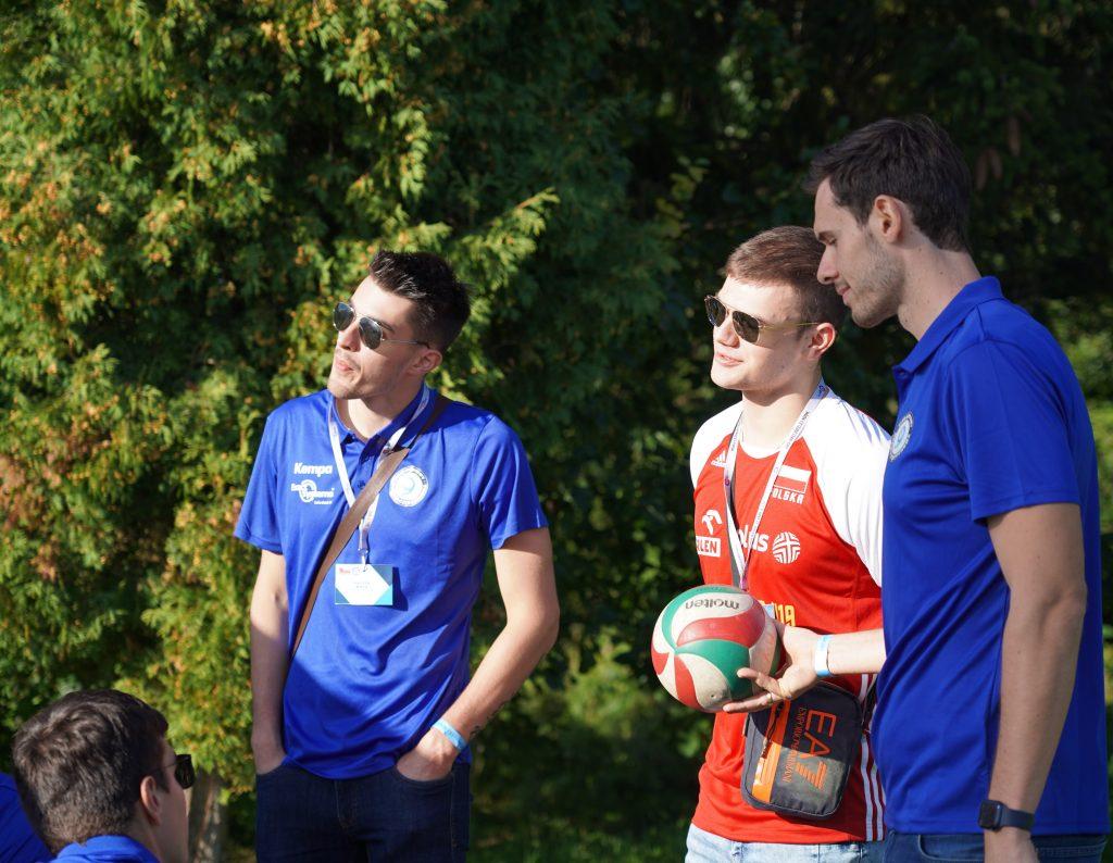 Trener Piotr Gruszka przedstawił swoich siatkarzy z Exact Systems Norwid podczas Festiwalu Kolorów. Prezentacja drużyny wypadła...kolorowo 21
