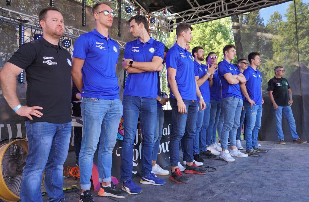 Trener Piotr Gruszka przedstawił swoich siatkarzy z Exact Systems Norwid podczas Festiwalu Kolorów. Prezentacja drużyny wypadła...kolorowo 2