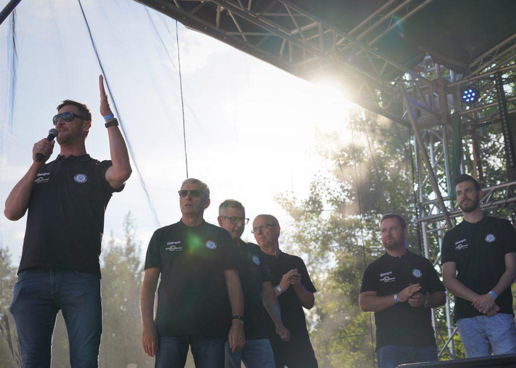 Trener Piotr Gruszka przedstawił swoich siatkarzy z Exact Systems Norwid podczas Festiwalu Kolorów. Prezentacja drużyny wypadła...kolorowo 4