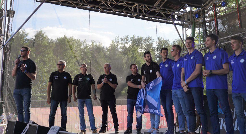 Trener Piotr Gruszka przedstawił swoich siatkarzy z Exact Systems Norwid podczas Festiwalu Kolorów. Prezentacja drużyny wypadła...kolorowo 3
