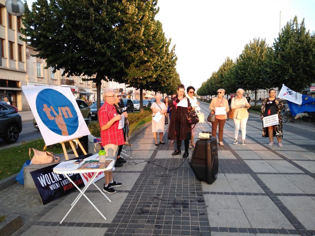 Manifestacja w Częstochowie w obronie wolnych mediów 1
