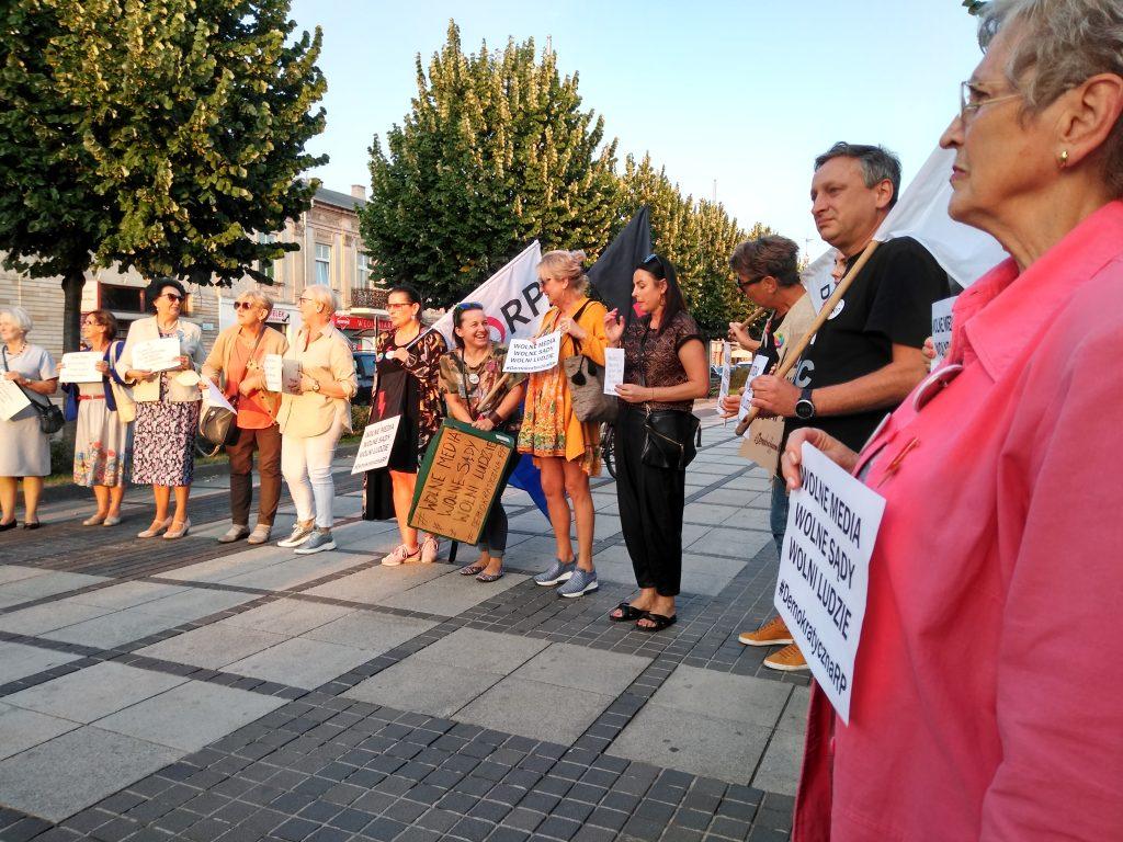 Manifestacja w Częstochowie w obronie wolnych mediów 2