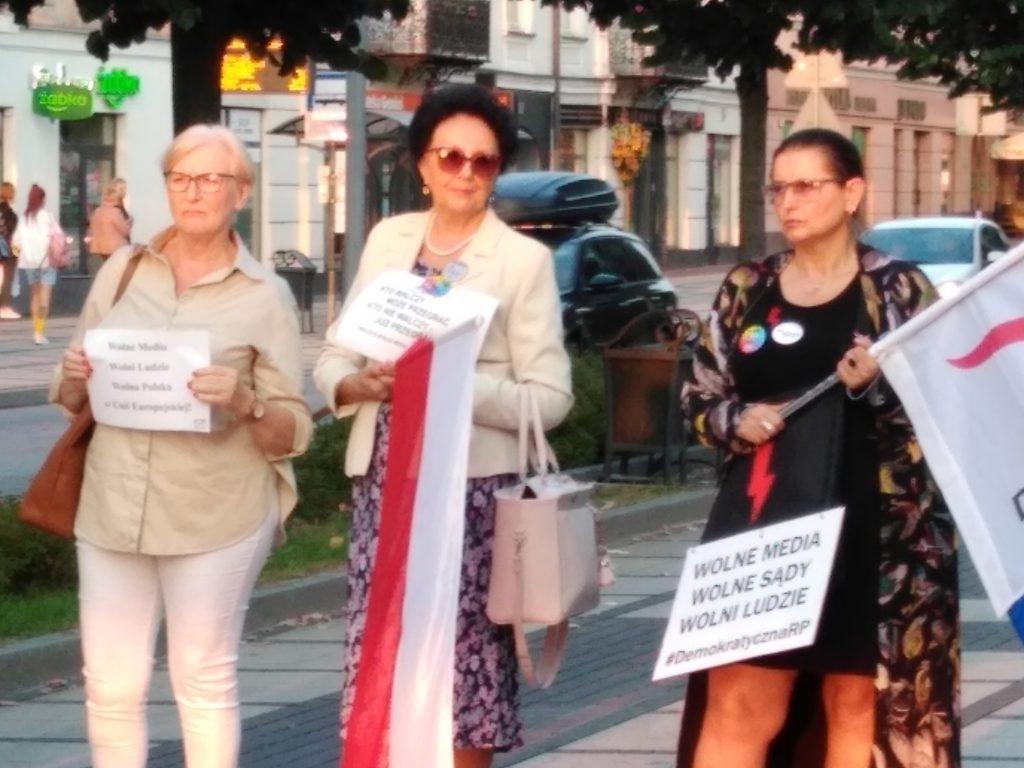 Manifestacja w Częstochowie w obronie wolnych mediów 6