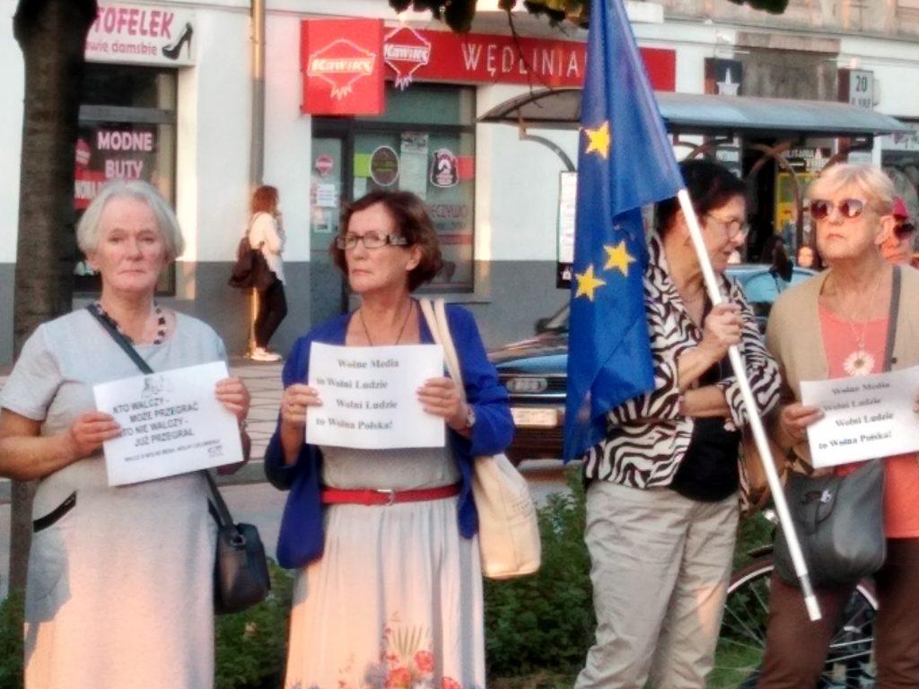 Manifestacja w Częstochowie w obronie wolnych mediów 3