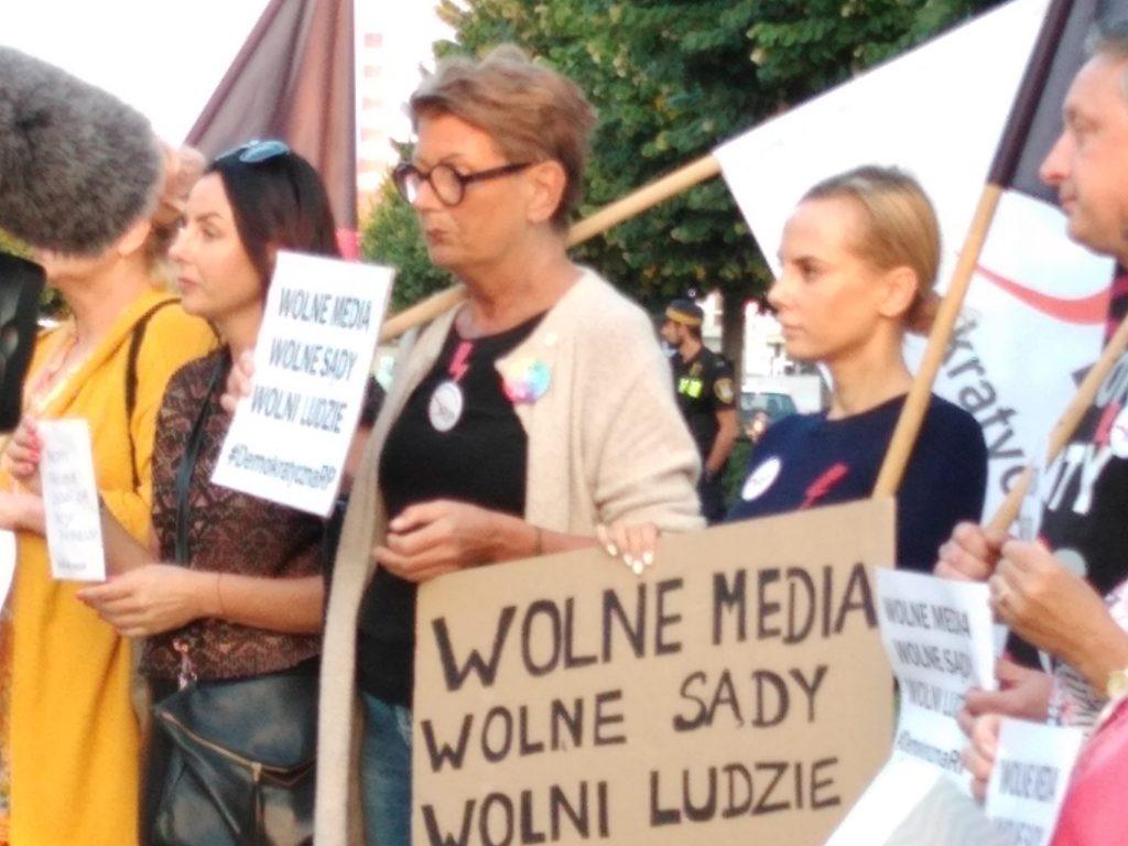 Manifestacja w Częstochowie w obronie wolnych mediów 4