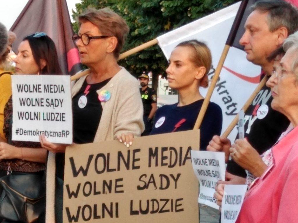 Manifestacja w Częstochowie w obronie wolnych mediów 5