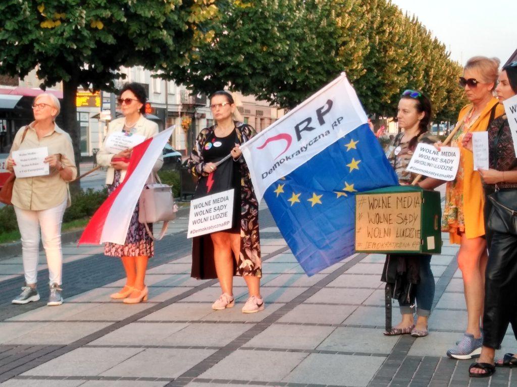 Manifestacja w Częstochowie w obronie wolnych mediów 7