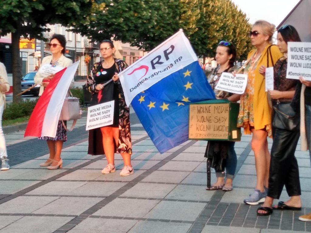 Manifestacja w Częstochowie w obronie wolnych mediów 8