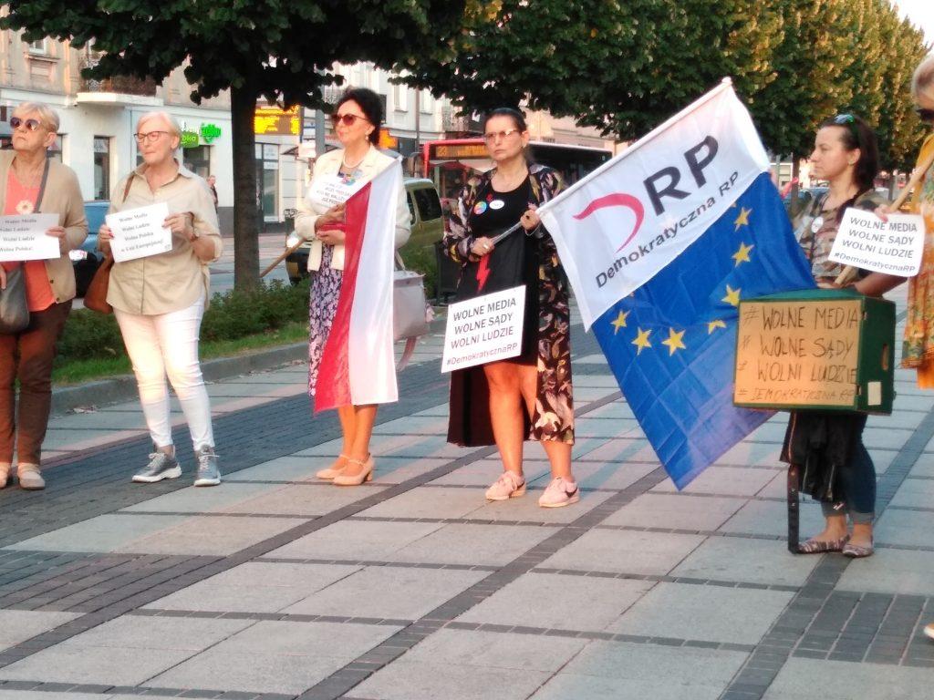 Manifestacja w Częstochowie w obronie wolnych mediów 9