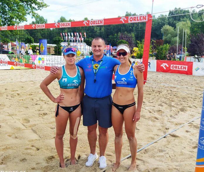 Dwie siatkarki, siatkarz i sędziowie z Częstochowy promowali nasze miasto na mistrzostwach Polski w siatkówce plażowej 4
