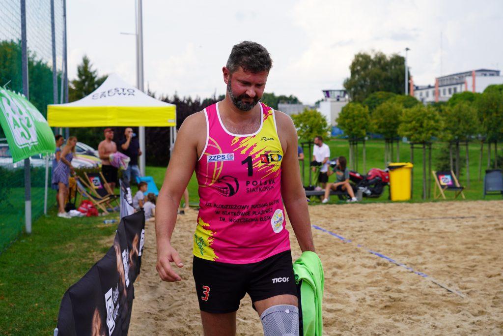 Oldboje rywalizowali w otwartych mistrzostwach Częstochowy w siatkówce plażowej 16