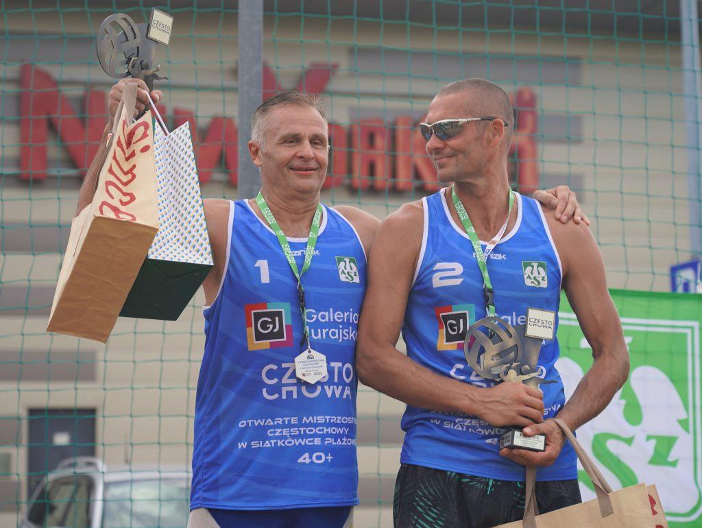 Oldboje rywalizowali w otwartych mistrzostwach Częstochowy w siatkówce plażowej 2