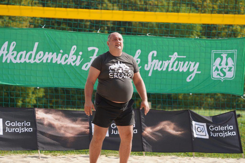 Oldboje rywalizowali w otwartych mistrzostwach Częstochowy w siatkówce plażowej 15