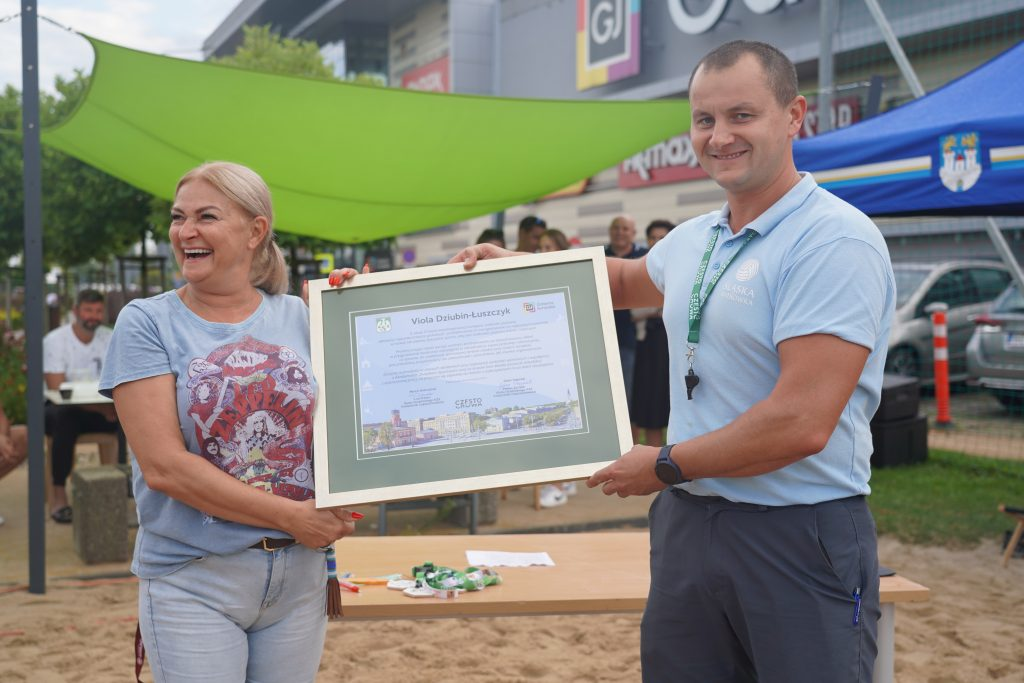 Oldboje rywalizowali w otwartych mistrzostwach Częstochowy w siatkówce plażowej 3