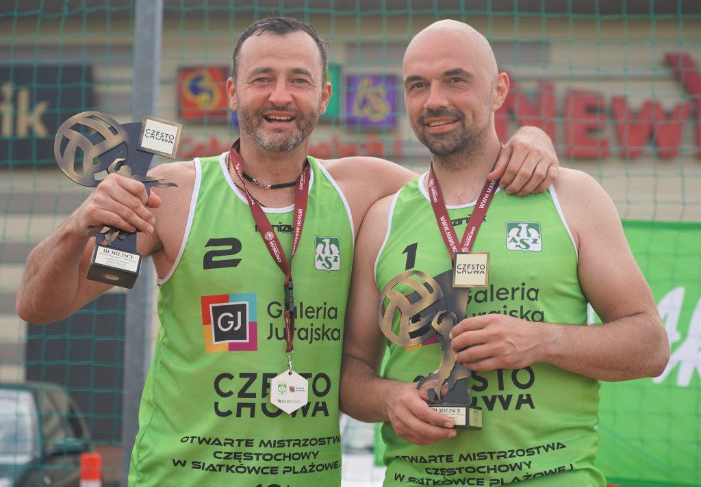 Oldboje rywalizowali w otwartych mistrzostwach Częstochowy w siatkówce plażowej 5