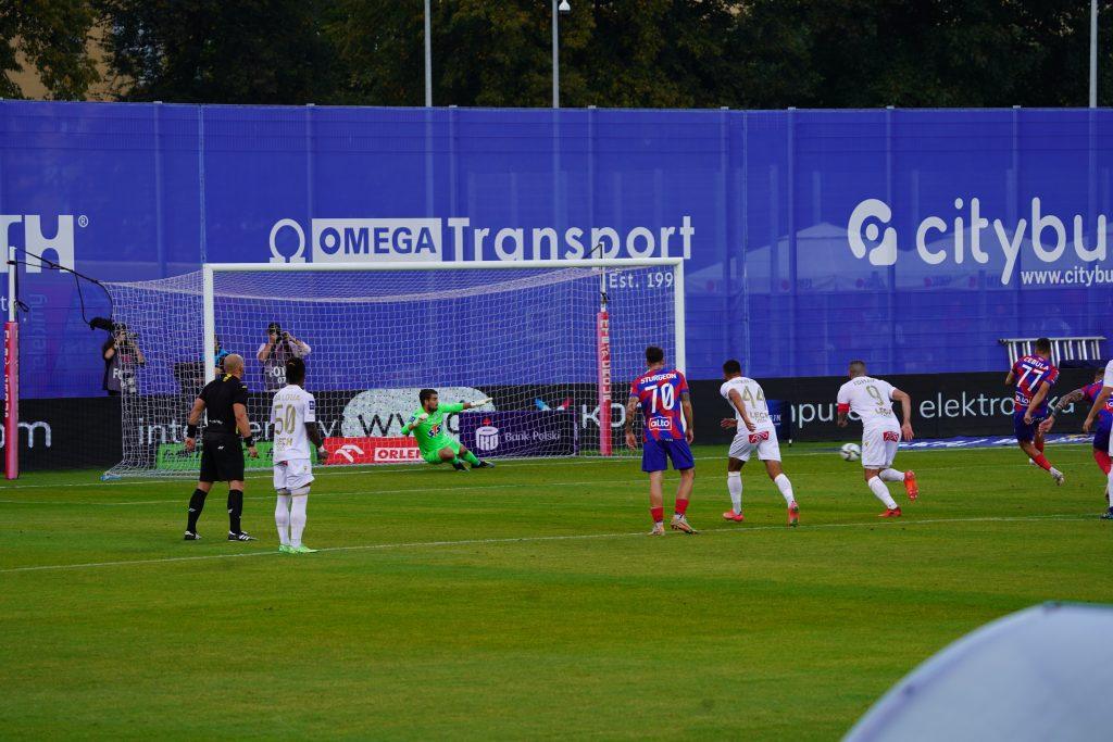 Raków mógł wygrać z Lechem Poznań, ale drużyny podzieliły się punktami... 4