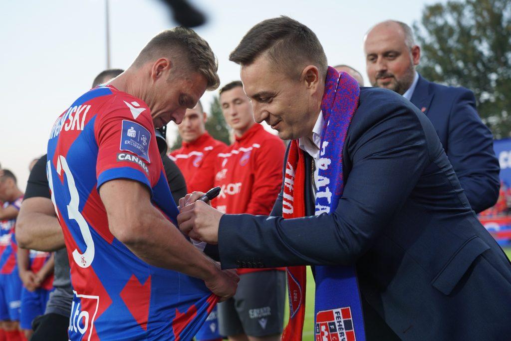 Grad bramek w jubileuszowym meczu Rakowa z MOL Fehervar FC na 100-lecie częstochowskiego klubu 2