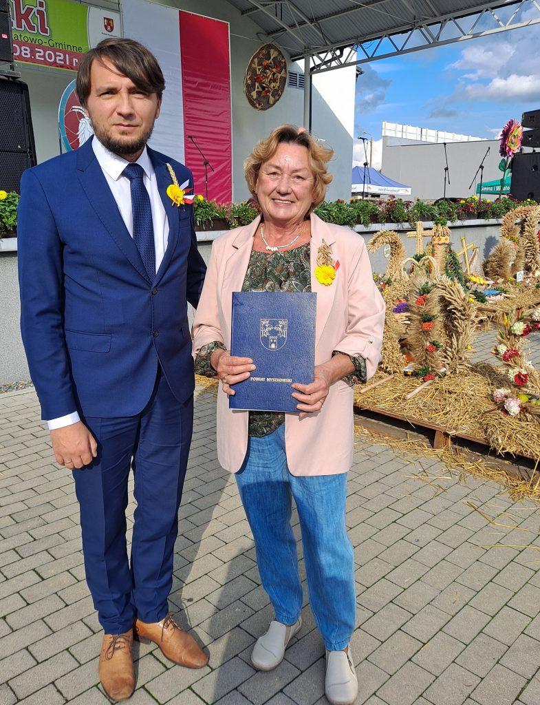 Nagrodzona rolniczka z Suliszowic podczas Powiatowych Dożynek w Koziegłowach 2