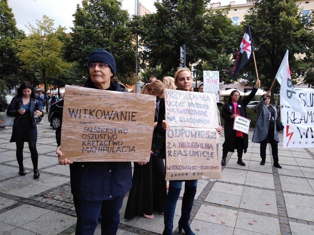 """Marszałek Witek w Częstochowie. Protesty przed """"Sienkiewiczem"""" 4"""