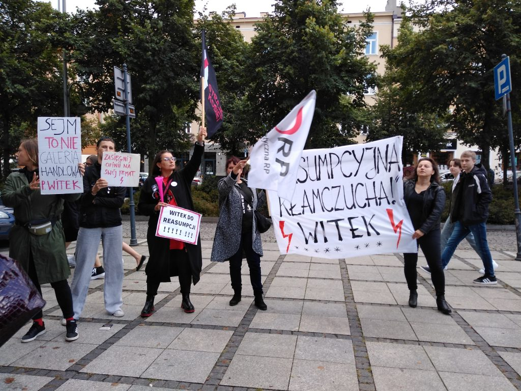 """Marszałek Witek w Częstochowie. Protesty przed """"Sienkiewiczem"""" 6"""